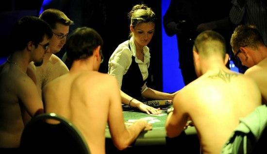 strip-poker-tornament8